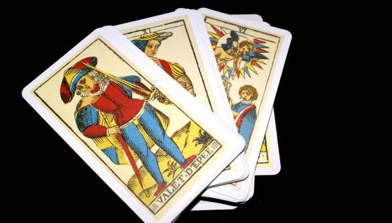 Hoe tarotkaarten gebruiken
